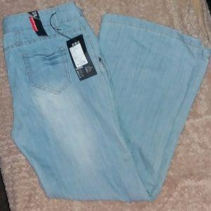 Denim - NWT, Light Blue Jeans, size 36 x 30, or size 16